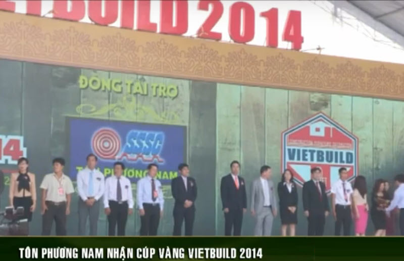 Ton Phuong Nam received the Vietbuild 2014 gold cup